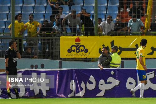 تصاویر/ دیدار تیم های صنعت نفت آبادان و پیکان