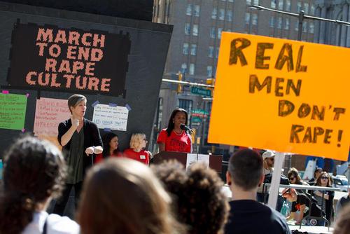 گردهمایی سالانه ضد تجاوز و خشونت جنسی علیه زنان در شهر فیلادلفیا آمریکا