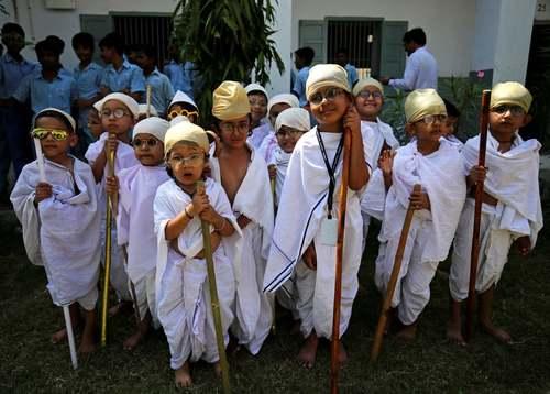 دانش آموزان هندی در شمایل