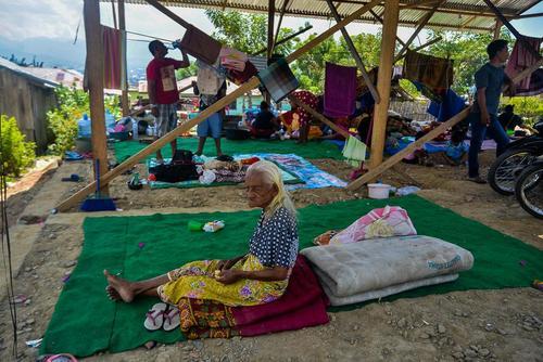 اسکان موقت زلزلهزدگان اندونزی/ شینهوا