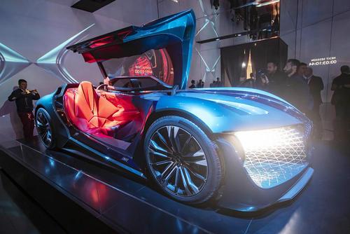 نمایشگاه خودرو در پاریس