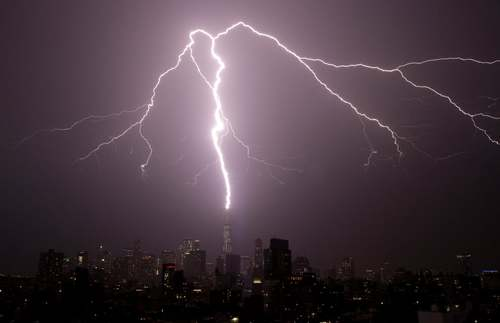 رعدو برق در نیویورک آمریکا/ خبرگزاری یونایتدپرس