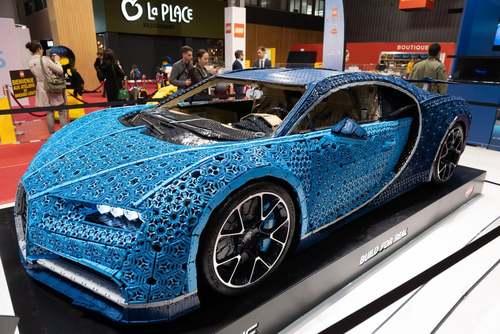 بوگاتی ویرون لگویی در نمایشگاه سالانه خودرو در پاریس