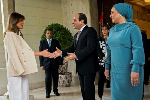 استقبال عبدالفتاح سیسی رئیس جمهوری مصر و همسرش از ملانیا - قاهره