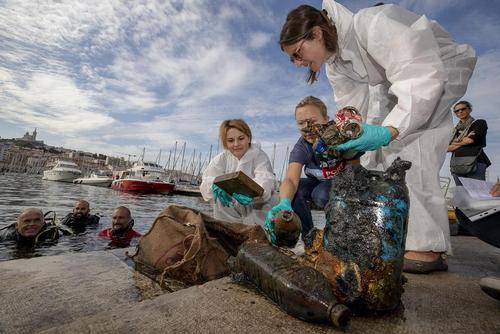 اقدام 600 داوطلب در پاکسازی ساحل شهر