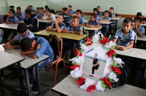 جای خالی دانشآموز 12 ساله فلسطینی که به ضرب گلوله سربازان اسراییل در مرز باریکه غزه به شهادت رسیده است./ رویترز