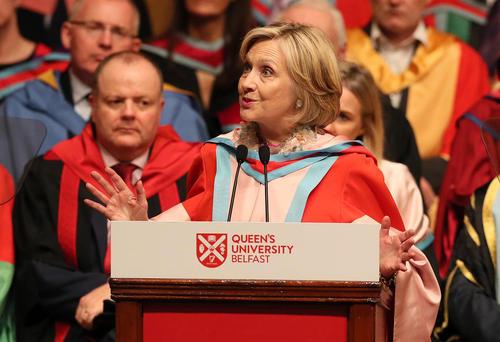 سخنرانی هیلاری کلینتون پس از دریافت مدرک افتخاری از دانشگاه