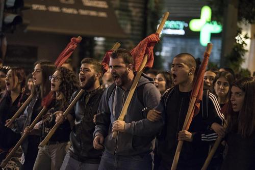 تظاهرات علیه فاشیسم و تصمیم دولت یونان برای در اختیار قراردادن پایگاههای نظامی بیشتر برای آمریکا و ناتو/ آتن