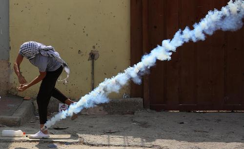 تظاهرات ضد اسراییلی جوانان فلسطینی در شهر نابلس در کرانه باختری/APA