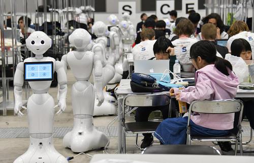 نمایشگاه جهانی روباتها در توکیو