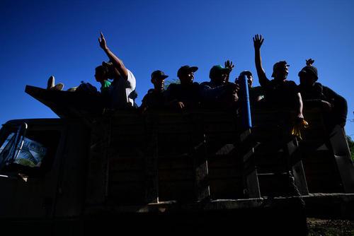 حرکت هزاران مهاجر آمریکای مرکزی به سمت مرز ایالات متحده آمریکا/ مکزیک