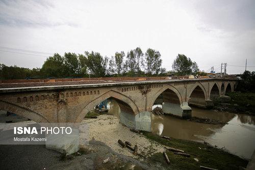 پل «محمدحسنخان» پلی قدیمی است که از روی رودخانه بابلرود در شهر بابل میگذرد. این پل از آثار دوره قاجاریان است که به جای پل قدیمیتری ساخته شدهاست.