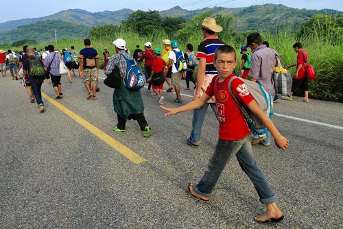 کاروان مهاجران آمریکای مرکزی در راه آمریکا در کشور مکزیک