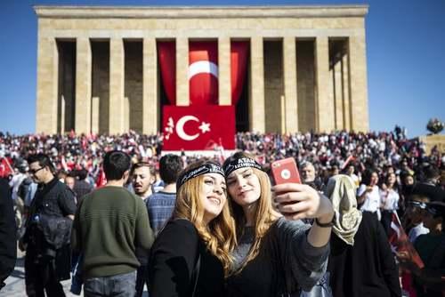 مراسم نودوپنجمین سالگرد تاسیس جمهوری ترکیه در مزار آتاترک در آنکارا/ خبرگزاری آناتولی