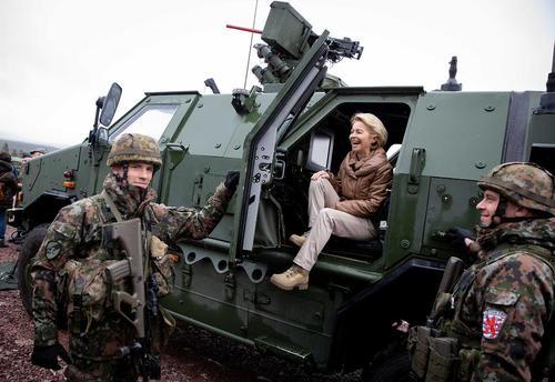بازدید وزیر دفاع آلمان از رزمایش نیروهای ناتو در نروژ/ خبرگزاری آلمان