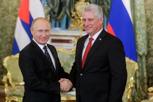 دیدار رییس جمهوری کوبا با پوتین در کاخ کرملین در مسکو/ ایتارتاس