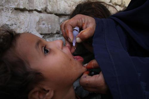 واکسیناسیون فلج اطفال در جلالآباد افغانستان/ شینهوا