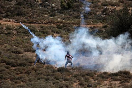 تظاهرات ضد اسراییلی جوانان فلسطینی در رام الله