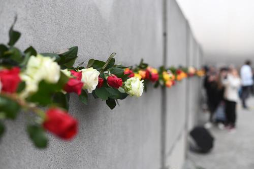 مراسم بیست و نهمین سالگرد فروریختن دیوار برلین/ خبرگزاری آلمان