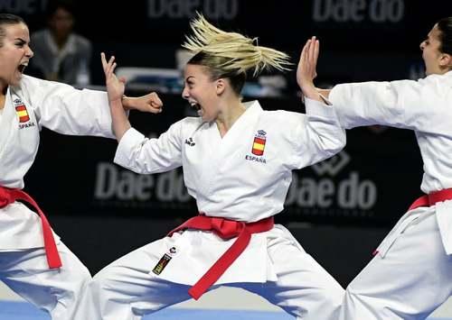 تیم اسپانیا در مسابقات کاتا تیمی کاراته جهان در شهر مادرید/ خبرگزاری فرانسه