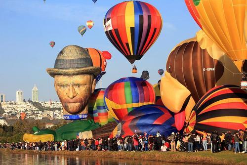جشنواره بینالمللی بالن در