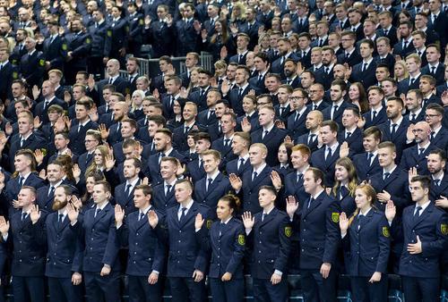 مراسم سوگند 700 نیروی پلیس تازه در ساکسونی آلمان/ خبرگزاری آلمان
