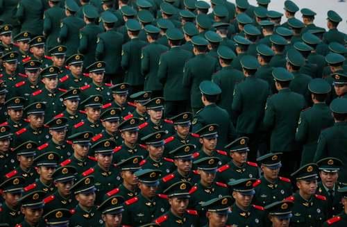 جشن فارغالتحصیلی سربازان تازه ارتش چین