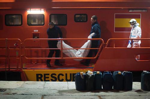 انتقال جسد یک پناهجوی زن آفریقایی در مالاگا اسپانیا