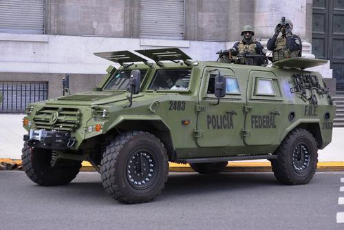 خودروهای نظامی هدیه چین به دولت آرژانتین برای تامین امنیت شهر