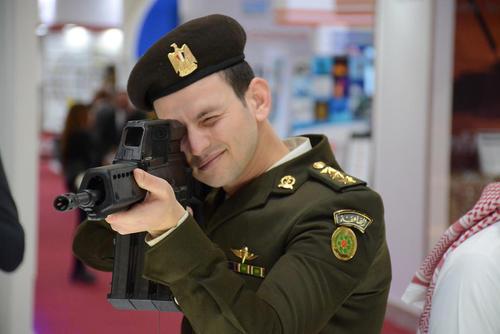 برگزاری نخستین نمایشگاه بینالمللی صنایع نظامی و دفاعی در قاهره مصر. برپایی این نمایشگاه نخستین تجربه از این نوع نمایشگاه در قاره آفریقاست./ خبرگزاری آلمان