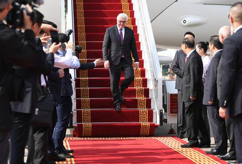 سفر رسمی 6 روزه رییس جمهوری آلمان به چین/ فرودگاه بینالمللی شهر گوانگژو/ خبرگزاری آلمان