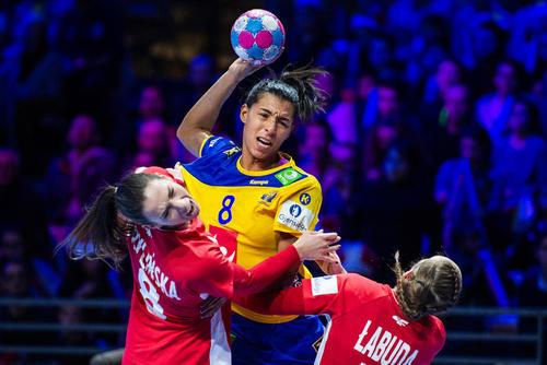 مسابقات هندبال زنان اروپا بین دو تیم هندبال سوئد و لهستان