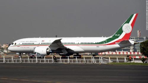 هواپیمای اختصاصی مقام ریاست جمهوری مکزیک که به دستور رییس جمهوری جدید به مزایده گذاشته شده است.