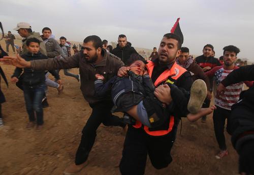 زخمی شدن کودک فلسطینی در تظاهرات