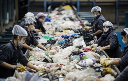 یک کارخانه بازیافت مواد پلاستیکی در استانبول ترکیه/ خبرگزاری فرانسه