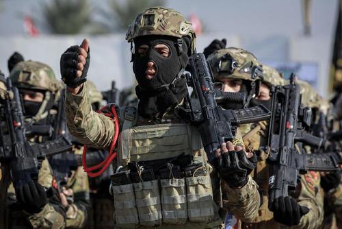 رژه نخستین سالگرد شکست داعش در عراق در شهر بغداد/ خبرگزاری آلمان
