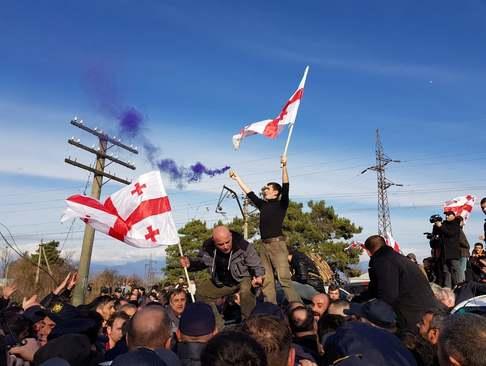 تظاهرات مخالفان رییس جمهوری جدید گرجستان در شهر