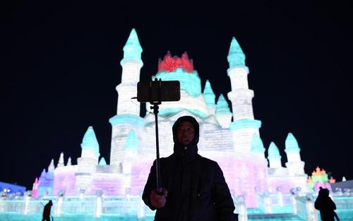 جشنواره بینالمللی سازههای برفی و یخی در هاربین چین/ شینهوا