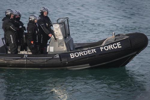 بازدید وزیر مهاجرت بریتانیا از شهر بندری