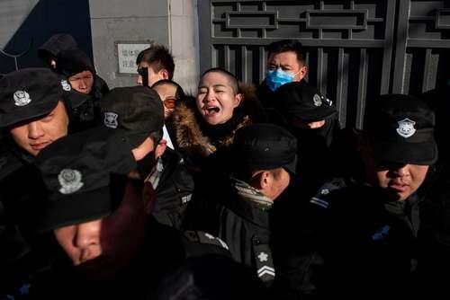 تلاش پلیس چین برای دور کردن