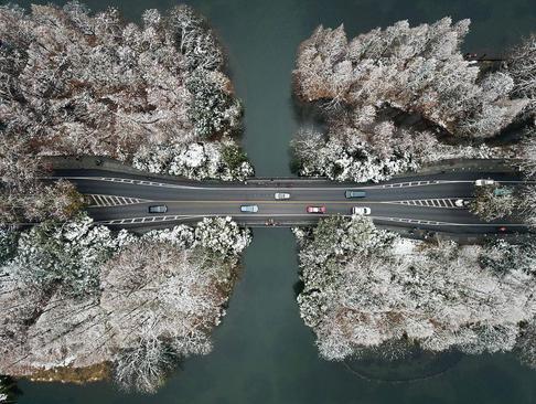 جادهای در هانگژو چین/ شینهوا
