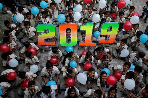مراسم سال نو در مدرسه ای در احمد آباد هند