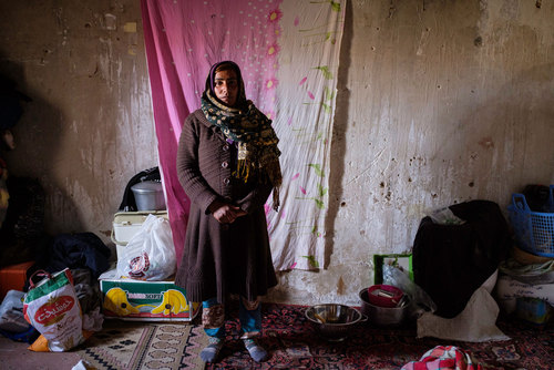 فاطمه نجاتی از روستای چاهخوقنبر. فاطمه چندین بار قصد جدایی از همسرش را داشت اما به خاطر فرزندش به زندگی ادامه داد و همسرش را که اعتیاد سختی داشت،  برای ترک اعتیاد تشویق کرد. همسر او نزدیک به یک سال است که  مواد مخدر استفاده نمی کند