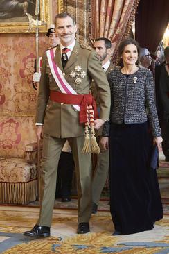 پادشاه و ملکه اسپانیا در رژه نظامی سال نو میلادی در مادرید