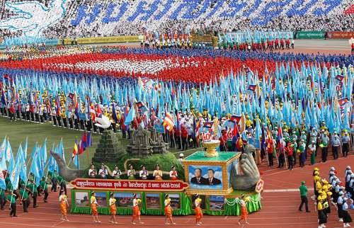 جشن چهلمین سالگرد پیروزی ارتش کامبوج بر شورشیان