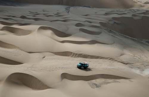مسابقات اتومبیلرانی رالی داکار در صحرای