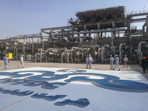 افتتاح فاز سوم پالایشگاه نفت ستاره خلیج فارس در بندرعباس