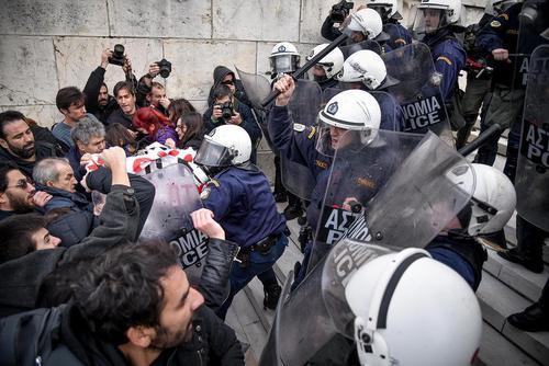تظاهرات معلمان یونانی علیه نظام جدید استخدام معلمان/ آتن