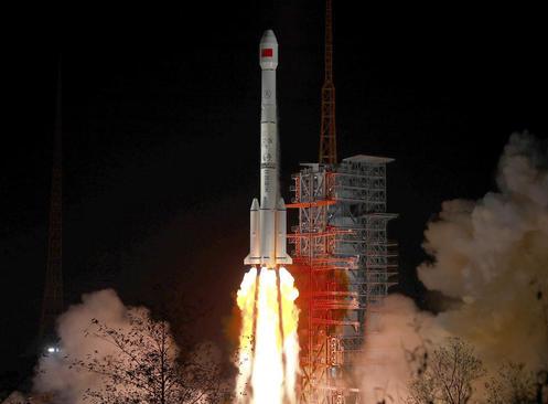 پرتاب ماهواره جدید چین به فضا از پایگاه فضایی سیچوان/ شینهوا