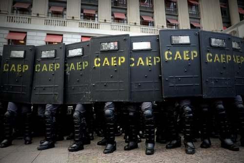 موضعگیری پلیس برزیل در تظاهرات علیه افزایش قیمت حمل و نقل عمومی در شهر